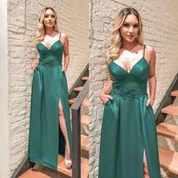 damen formale gürtel Rabatt Green Satin Elegante Abendkleider 2019 Spaghetti Sexy Side Split ärmellose Abendkleider Ladies Formal Party Dress mit Gürtel
