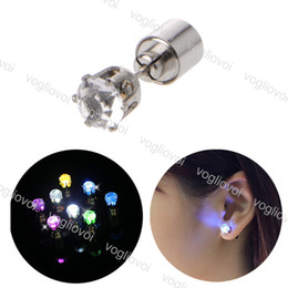 corone illuminati Sconti Orecchino di illuminazione della novità Light Up Crown Glowing Crystal Crystal Drop Stud Stud Gioielli per le donne Regali di Natale Epacket