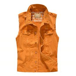 Casacos de denim laranja on-line-MORUANCLE Moda Mens Ripped Denim Coletes Slim Fit afligido mangas Jeans Casacos Para Orange Man Colete Com Furos