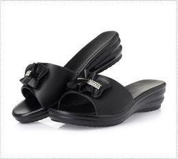 Verão de alta qualidade novas sandálias das mulheres, salto médio, salto inclinação, muffin de solado grosso, Y8158, tamanho grande 35-43 de