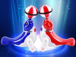großhandel delphin spielzeug Rabatt Neue kreative Elektrolumineszente Projection Dolphin Top-Kugel Rotary Dolphin Kinder Boden stehen Hot-Spielzeug-Hersteller Großhandel