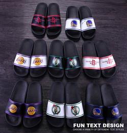 Atacado sandálias chinelos homens mulheres Sandálias Designer Shoes Moda Luxo Grande Plano Slippery Sandals Flip Flop Chinelo Tamanho 40-45 LF089 de