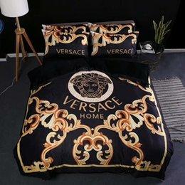 conjunto de edredons com babados Desconto 2019 conjuntos de capa de cama 4 peças deusa padrão Mix marca conjuntos de cama capa de edredão Set Queen King Quilt Cover Suit