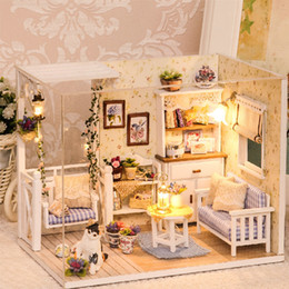Muebles para casas de muñecas online-Muebles de casa de muñecas Diy Miniatura en 3D Casa de muñecas Miniaturas de madera Juguetes para niños Regalos de cumpleaños Casa Gatito Diario H013 J190508