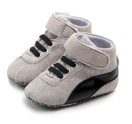 резиновая обувь Скидка Весна и Осень Детская Обувь PU Кожа Новорожденных Мальчиков First Walker Shoes Детская Обувь Prewalker Кроссовки