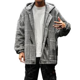 e9c35d7512b46 Çin Vintage Kapşonlu Trençkot Erkekler Ekose Streetwear Kore Moda Giyim  Erkek Ceketler Mont Harajuku Ulzzang Palto