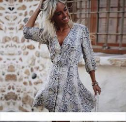 Damen casual satin kleider online-Damenkleider Neue Ankunft 2018 Herbst Satin Schlangendruck Partykleid Damen Herbst Sommer Sexy Halbe Hülse Beiläufiges Minikleid