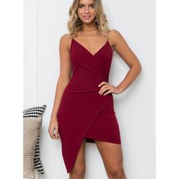 2019 элегантное вино Женская одежда Нерегулярные слинг вечернее платье сложить украшения Красное вино Bodycon платье Sexy V-образным вырезом Удобная ткань Элегантный дешево элегантное вино