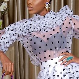 Blusas finas de moda online-Blusas de las mujeres Tops Polka Dot Ruffles Tul delgado Camisas transparentes Ver a través Elegante Señora Moda Verano Primavera Con clase Mujer