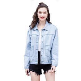 938a2d1d5bd 2019 женские весенние джинсовые куртки новые личности джинсовая куртка  светло-голубые пальто большие карманы с длинным рукавом повседневная одежда  женские ...