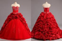 Rosso reale foto ricamo Quinceanera Prom Dress Ball Gown Ruffles che borda paillettes raso Applique Lace Sweep treno abiti economici lunghi convenzionali da