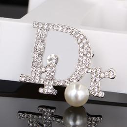 2019 золотой булавка для младенца Урожай Кристалл Роскошной Броши Женщина Письмо Pearl Дизайнер брошь Rhinestone мода Марка брошь Подарок для любви