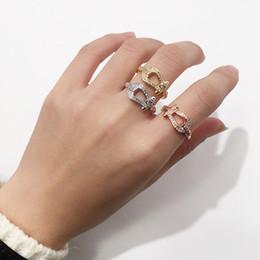 joyería de plata de los hombres Rebajas 2019 Anillo de tres colores de estilo euroamericano con anillo de herradura perforada Anillo de apertura de lujo joyas de diseñador juegos de anillos de boda