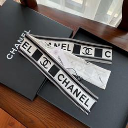 2019 livre amarrado Marca designer super macia fita de seda multi funcional moda de luxo lenço à prova de véu laço alça de bolsa frete grátis livre amarrado barato