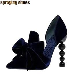 темно-синий выпускной каблук Скидка Мода темно-синий бархат женщины туфли на высоком каблуке ну вечеринку обувь острым носом жемчужные высокие каблуки бантом декор женские туфли на шпильках свадебные платья выпускного вечера