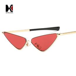 Оптовые прозрачные солнцезащитные очки для мужчин онлайн-Оптовые новые женщины кошачий глаз солнцезащитные очки мода для мужчин прозрачный красный розовый желтый фиолетовый конфеты цвет оттенков UV400