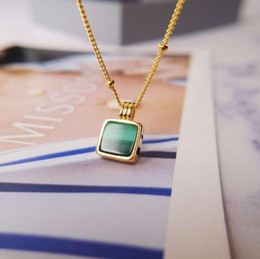 Pfau anhänger online-Berühmte Designer Marke Halskette exquisite Senior Pfau grün Anhänger kleine Halskette Frauen Partei täglich Luxus Schmuck Geschenk