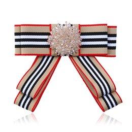 Laço uniforme da escola on-line-Laço de cristal Bowkie das Mulheres 7 Cores bowtie Profissional Para o banco da escola Vestido uniforme Do Hotel Lady gravata borboleta