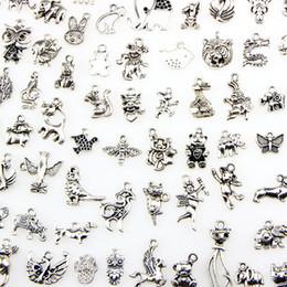 2019 colares variados Assorted 100 projetos animais encantos gato porco urso pássaro cobra cavalo cão esquilo cisne ... pingentes para diy colar pulseira fazer jóias