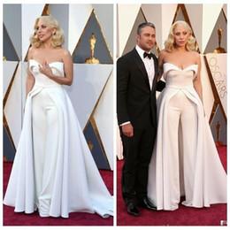 Calças de noite on-line-Nova Moda 88th Oscar Lady Gaga Macacões Vestidos de Noite Branco Querida Sassy Celebrity Dress Calças Sexy Red Carpet Prom Dresses