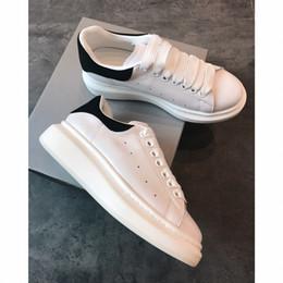 With Box Sneakers 2019 alexander mcqueens baskets diseñador mejor de calidad superior para hombre para mujer de moda deporte del corredor del partido zapatos de terciopelo desde fabricantes