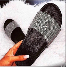 sandal hotel Coupons - 2019 Summer New Glitter Diamond sandals slipper women pink gold black silver indoor comfortable fashionable leisure beach slippers
