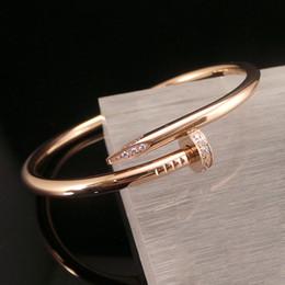 сделать браслеты из бисера Скидка 316L титановая сталь любовный браслет любители панк-ногтей женщины и мужчины дизайнер серебро розовое золото браслет пара ювелирных изделий