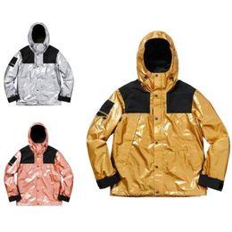 Luxury Mens giacca designer Uomini Donne Windbreaker Jacket Designer Abbigliamento Uomo metalli Mountain Parka Cappotti Designer invernali da