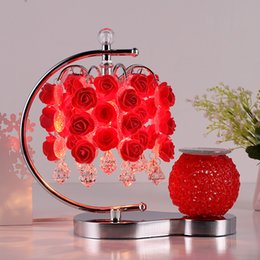 Lámpara de mesa roja online-Lámpara de mesa de aromaterapia Dormitorio lámpara de noche rosa roja boda sala de bodas enchufe caliente creativo atenuación europea