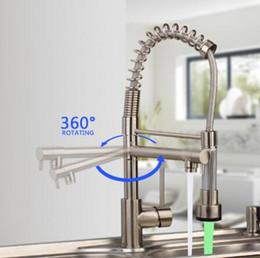 grifos laterales Rebajas Spring Kitchen Faucet Saque hacia fuera el rociador lateral Caño doble Mezclador monomando Grifo del fregadero Grifo de 360 grados Grifos de cocina