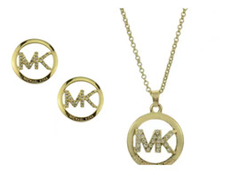 Jóia da letra m on-line-Vários estilos M carta pingente de colar de brincos conjunto de jóias mulheres de ouro rodada de duas peças conjunto de jóias com diamantes