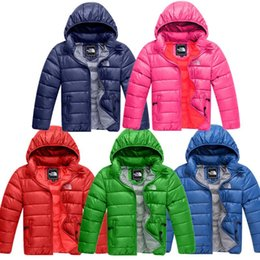 Brasão do inverno dos miúdos acolchoado Jacket Brand Design NF crianças Algodão de Down The North Junior Boy Meninas com capuz cara Outwear Lightweight Tops C120401 de