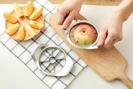 Máquina de cortar acero inoxidable manzana corer online-Una pieza Cortador de manzana Sólido Cortador de fruta de acero inoxidable Cortador de pera Apple Corer Cuchillo Peeler Herramienta de corte Nuevo
