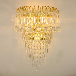 Kristall klassiker für wohnzimmer online-Klassische Kristall Kronleuchter Wandleuchte Gold kristalline Wandleuchte Lampe LED Foyer Wohnzimmer Nacht Kristall Glas Wandleuchte