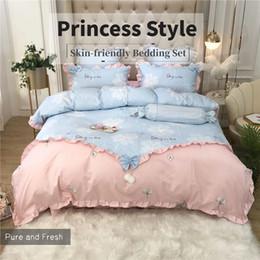 Juego de sábanas de cama coreano online-Corea del estilo del lecho 100% sábana de algodón princesa Set de edredón rosa cubierta volantes de encaje edredón funda de almohada Ropa de cama para niñas