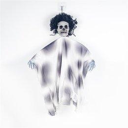 2019 gummi witze 2019 Neue frei Fest Skeleton Halloween Hanging Geist mit Hand Scary Haunted House Horror Prop-Partei-Dekor