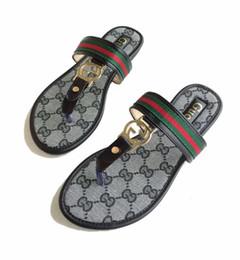 Marca famosa dei sandali online-2019 Nuove donne di marca Monogram Sandali infradito estate donne sandali da spiaggia Famous Flip Flip grande 35-42