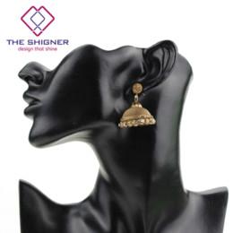Gioielli in bronzo indiano online-THE SHIGNER Indian Look tradizionale Golden Bronze Tone Jhumka Jhumki Orecchini ciondola orecchino gioielli di tendenza etnica per le donne