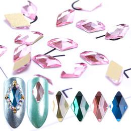 Arte de uñas rombo online-10 unids Crystal Nail Diamonds Rhombus Rhinestones Gemas de Oro Base Plana Strass Stone 3D Encantos Nail Art Decoratuons BEA42