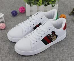 Sapatos dos homens Quentes Moda Flip Flops de Couro de Vaca Com Sola Macia Na Moda Respirável Fácil de Combinar Homens Sapatos de Verão tamanho europeu sapato: 39-44 de
