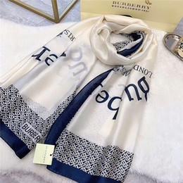 Schal plaid bandana online-Großhandel klassische marke seidenschal mode damen schal marke gedruckt warhorse plaid badetuch ...