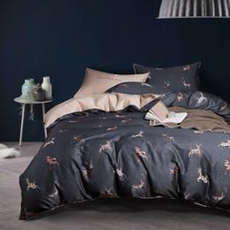 2019 rainha do conjunto da cama dos cervos Algodão egípcio cetim cama set Elk Deer Dos Desenhos Animados capa de edredão rainha king size roupa de cama lençol de cama rainha do conjunto da cama dos cervos barato
