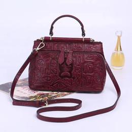 066a9f362634e 2017 chinesischen Ethnischen Stil Vintage Frauen Taschen Damen Crossbody  Tasche Bolsas Femininas Echtes Leder Weibliche Geprägte Blume Tasche  günstig ...