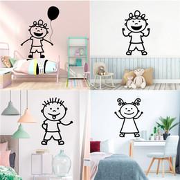 2019 decorazioni per bambini Lovely Little Boys vinile adesivo per la decorazione della camera dei bambini Balloon Wallpaper murale Stickers murali Poster Ragazzi ragazze vivaio decorazioni per bambini economici
