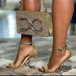 Avrupa Klasik Lüks Stil bayan Çantası fishone çantası Mektup decorati Zincir Dekoratif Kova Metalik hissediyorum dekorasyon gerçek Deri parti çantası nereden