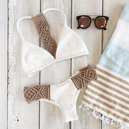 Trajes blancos bajos online-2019 Bikinis Conjunto de Bikini Sexy de Punto Blanco Mujeres Hollow Out Cintura Baja Maillot de Bain Femme Strappy Lady Biquini Traje de Baño