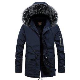 2020 abrigo de piel azul abrigo hombres Abajo chaqueta de los hombres de gran tamaño Negro Chaquetas Los hombres cubren la piel de imitación de la capilla Abrigo calidez tamaño 4XL azul con cremallera Outwear rebajas abrigo de piel azul abrigo hombres