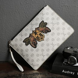 mode prominente handtaschen Rabatt Koreanische Version der Männer Handtasche Art und Weise Druck Handtasche Jugend Netzwerk Berühmtheit Umschlagbeutel