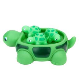 novo brinquedo tartaruga natação Desconto Engraçado Brinquedos de Natação Cadeia Tartaruga Bebé Água NOVO Borracha Bonito Tartaruga Mar Família Pals Banheira Flutuante Banheira Brinquedo Para O Miúdo L412