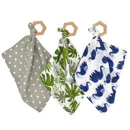 Canada INS bébé bavoirs salive serviette animaux fleur foulards nouveau-né chiffons doux coton avec hêtre imprimer bandana alimentation foulard 38 * 38cm 7 couleurs C6356 cheap animal saliva Offre